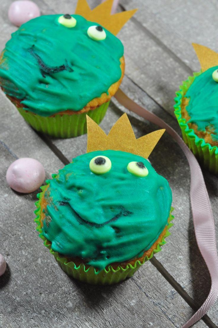 Einladung zur Märchenparty - Hier findest du die schönsten Spiele-, Back- und Bastelideen für einen märchenhaften Kindergeburtstag.