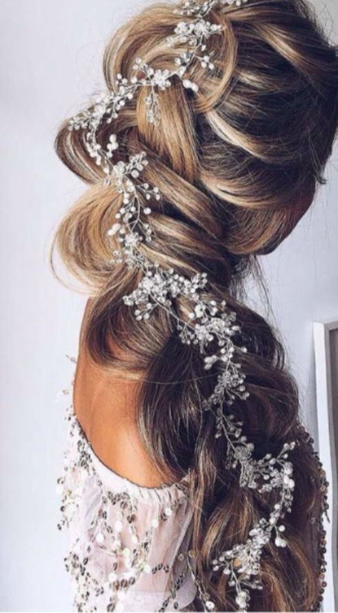 This is a lovely hair style and it looks great❤