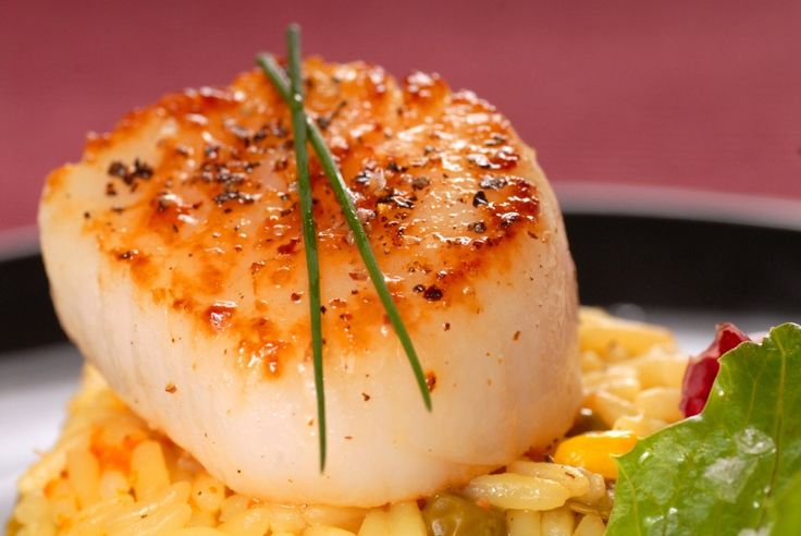 Pan Seared Scallops with Saffron Sriracha Rice by theheritagecook #Scallops #Saffron #Sriracha #Rice #theheritagecook