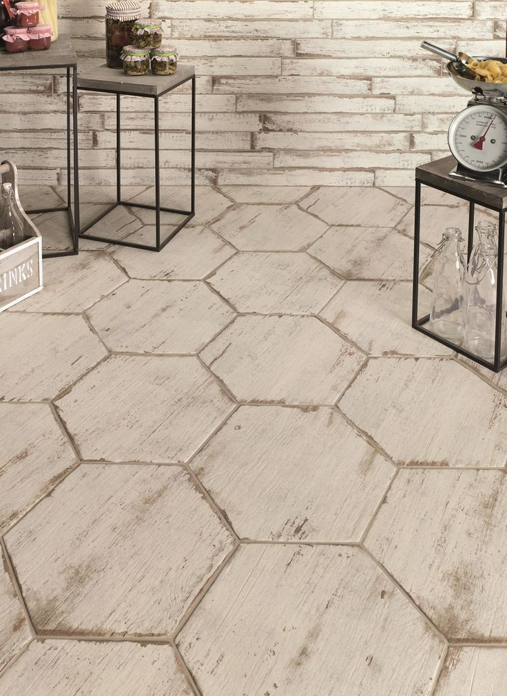 Weathered Wood Extruded Porcelain Tile Designed Look Like Age Old Floor The