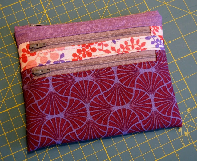 Crafting...: Triple Zip Pouch - tutorial can be found here: http://aquilterstable.blogspot.ca/2012/08/triple-zip-pouch-tutorial.html
