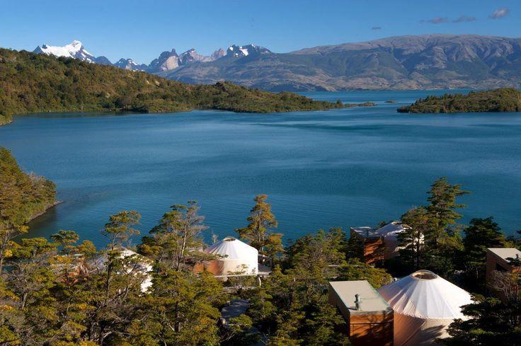 ¡#Experimentaydisfruta del #sonidodelviento o la #lluvia mientras #duermes, #verlasestrellas desde tu #cómodacama, encontrarte con un #paisajehermoso desde tu #ventana y #descubrir en las inmediaciones de los #yurts un #bosquearomático poblado por por #coigüesynotros! ¡#Patagonia Camp te permitirá contemplar la #maravillosanaturaleza de #Patagonia con gran #comodidad! Consúltanos > http://goo.gl/VxOqqk
