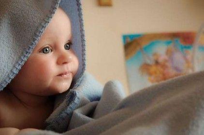 Comment soigner les otites des bébés avec les huiles essentielles ? - La Compagnie des Sens
