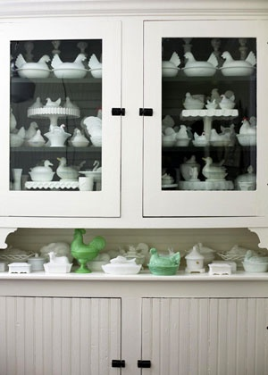 collecting milk glass: Chicken Collection, Glasses Chicken, Glass Collection, Vintage Milk, Glasses Hens, Milkglass, Desiretoinspire Net, Milk Glasses, Glasses Collection