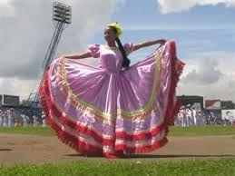 Resultado de imagen para fotos de trajes para cumbia colombiana