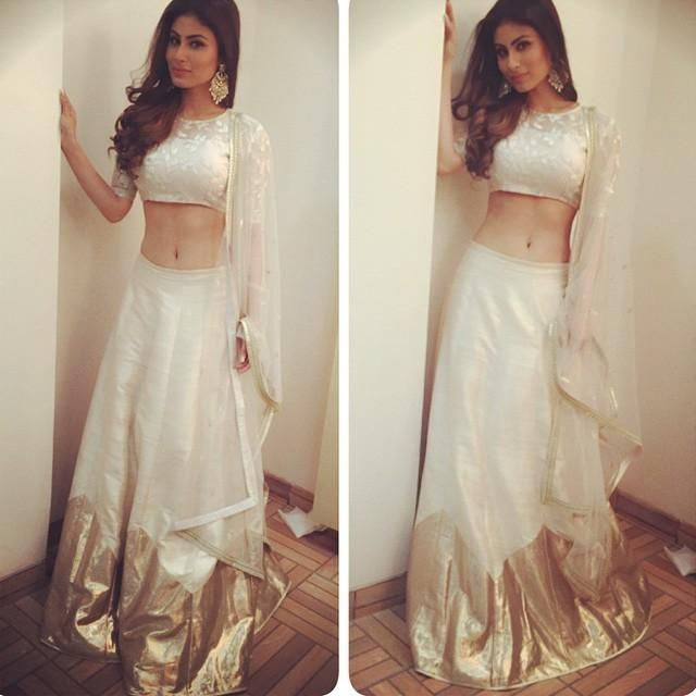 Mouni Roy dresses up like an Indian Princess for Women's Day event! (PICS) | PINKVILLA