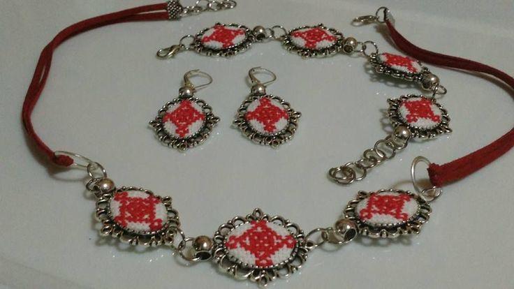 Set bijuterii brodate – traditii romanesti