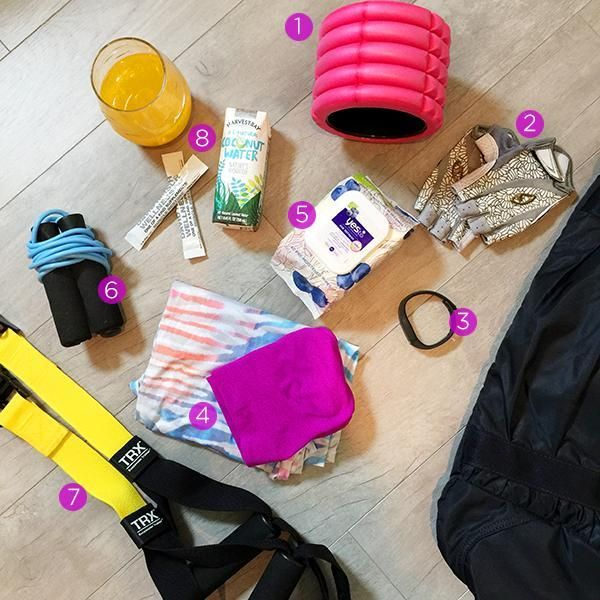 Take a peek inside Yahoo Health Editor-in-Chief Michele Promaulayko's gym bag.