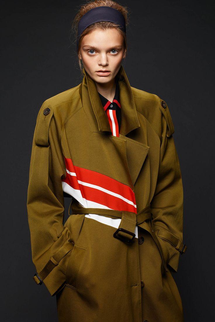 Preen by Thornton Bregazzi Pre-Fall 2015 Collection Photos - Vogue