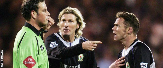 'You plonker!' Robbie Savage's guide to a footballer's Christmas - http://www.baindaily.com/you-plonker-robbie-savages-guide-to-a-footballers-christmas/