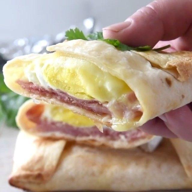 5,755 отметок «Нравится», 46 комментариев — Valeria (@yummy_pp_recipe) в Instagram: «🍳🌯Breakfast!No Washing Up Ham Egg Cheese Pockets! Recipe in English in comments👇🏼👇🏼👇🏼 Тортилья с…»
