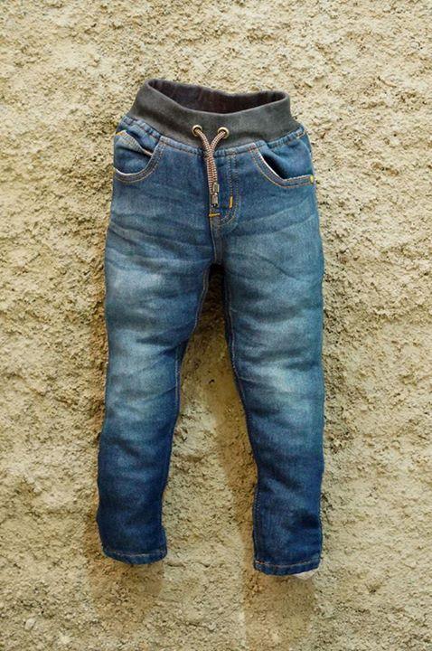Celana anak DECKS KIDS, ready kembali bunda... !!!  *Ada celana panjang chino *Ada celana panjang jeans *Ada celana pendek casual *Ada celana pendek jeans *Dan terbaru CELANA PENDEK COUPLE ayah & anak :)  Yuk, di order bunndd, biar buah hati bunda makin kece dan bisa makin kompak dengan ayah :)  Harga : IDR 95.000 sd 125.000 (Harga bisa dicek dimasing masing foto)  Usia : 1 thn s/d 10 tahun untuk anak (size chart bisa diliat dimasing masing foto)  Ukuran dewasa : 28, 30, 32, 34  Untuk order…