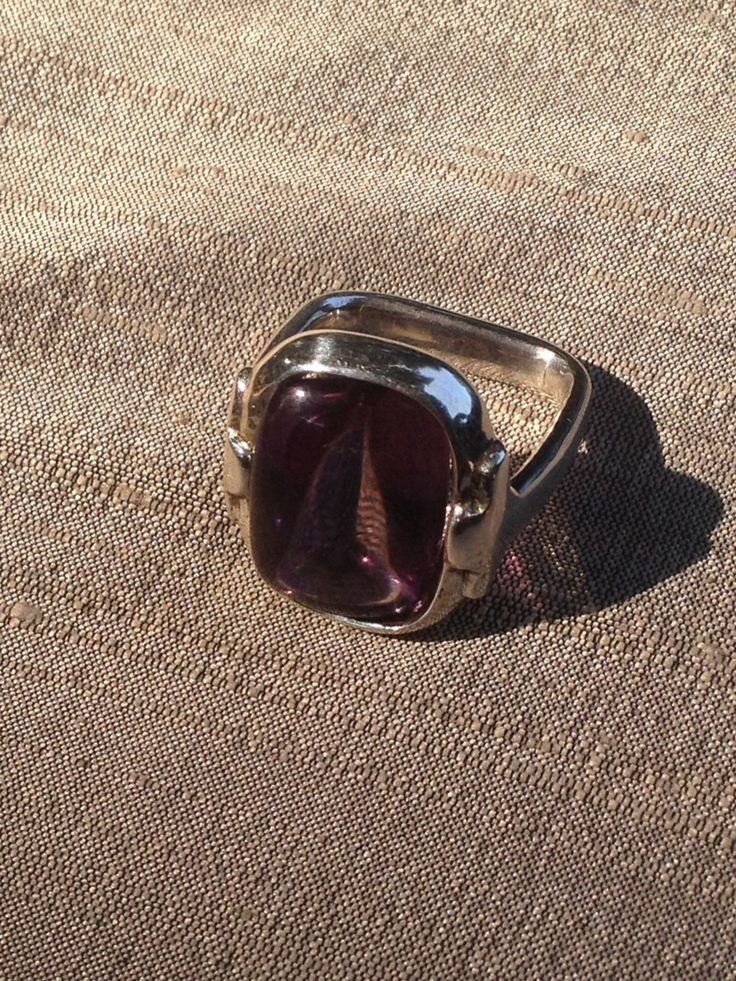 Amethys on a Yosephine series sterlling silver setting #amethys #Lubondesign #gemstone #preciousstone #fashion #instyle #style #trend #Amethys