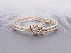 Amour anneau dor et dargent, bague de promesse, bague dengagement, bague de fiançailles, bague noeud, anneau nautique    Voici un beau symbole de