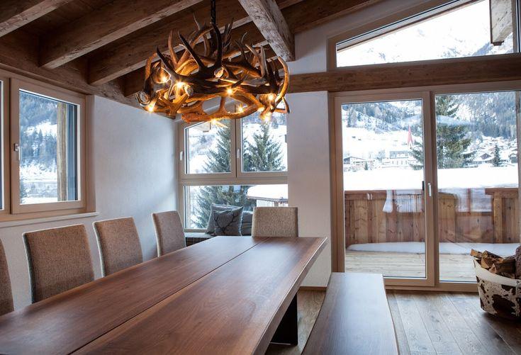 best 25 antler lamp ideas on pinterest elk horns deer. Black Bedroom Furniture Sets. Home Design Ideas
