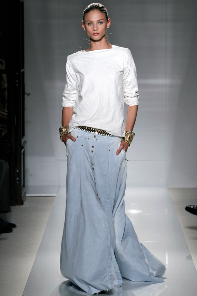 I am in love with this denim long skirt - From Balmain