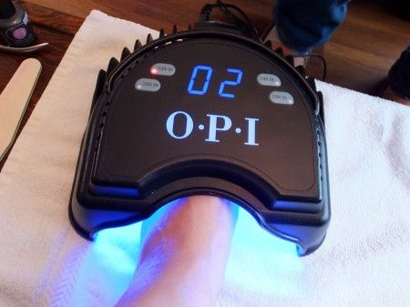 Why doesn't your salon offer soak-off gel pedicures? [OPI LED UV lamp_soak-off gel pedicure]