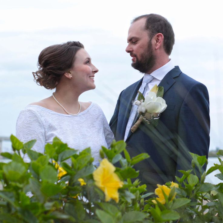 Shu Cunningham & Stephanie Davis of Alabama were looking to elope in a destination wedding in Florida. They found The Black Dolphin Inn in New Smyrna Beach, which offered elopement packages. We are a partner with the Inn and were so blessed to work with this lovely and kind couple.