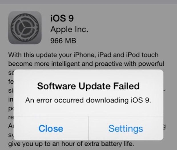 Software update failed error gives two options: Close indicating that the user knows of the failure, and Settings, a way of potentially fixing the error.