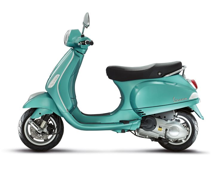 The Vespa LX and S style meets 3 valve engine technology for an unparalleled performance/fuel consumption ratio.