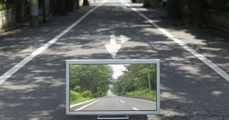 Como instalar um cabo HDMI. Cabos HDMI são utilizados para transmitir sinais digitais de alta definição. Eles podem carregar muito mais informações do que os cabos A/V padrões e, assim, proporcionar uma imagem mais nítida, mais clara na sua tela. A instalação de um cabo HDMI não é mais complexa do que a instalação de qualquer outro tipo de cabo A/V, basta encontrar a entrada ...