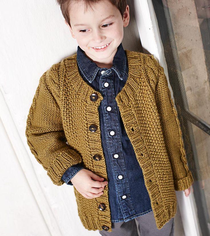 Описание вязания на спицах кофты с «заплатками» для мальчика «Burda. Вязание» №8/2014