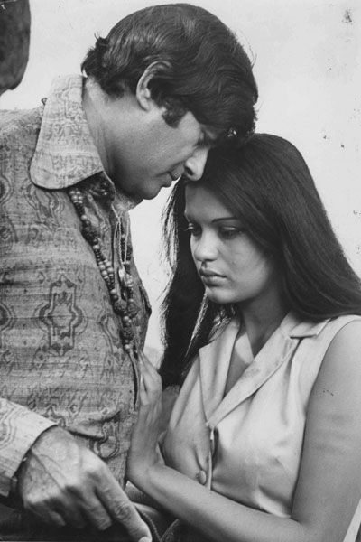 Dev Anand & Zeenat Aman - they rode the 70s bohemian wave with the hippies and druggies in cinema....