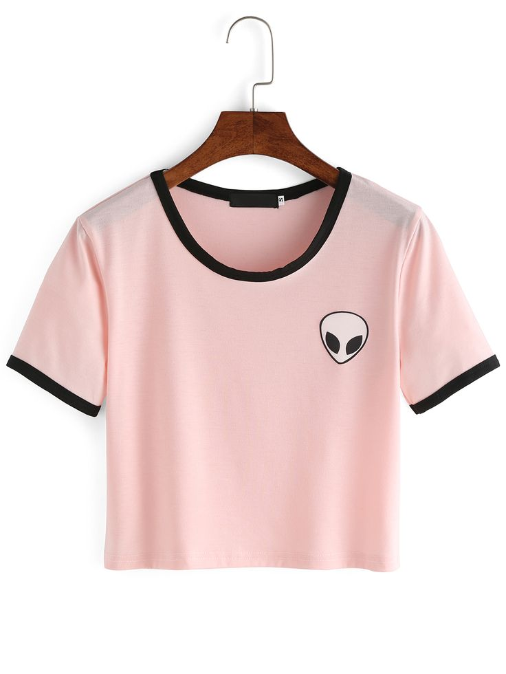 Pink Crew Neck Alien Print Crop T-Shirt is a cute top that goes with all of your favorite denim shorts!