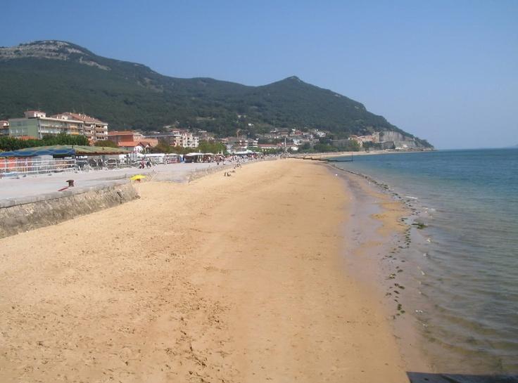 http://www.cantabriarural.com Playa de Santoña #Cantabria #spain
