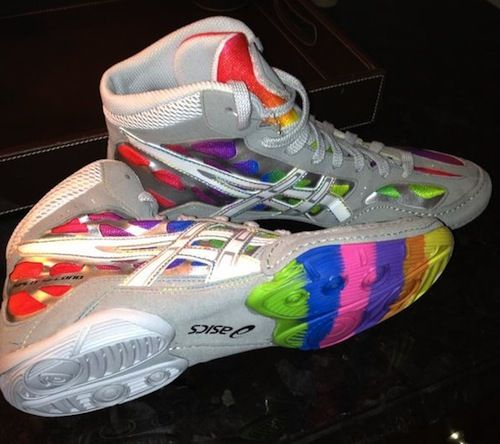 Rainbow wrestling shoes! My goodness I could pull these off just like my pink ones :)