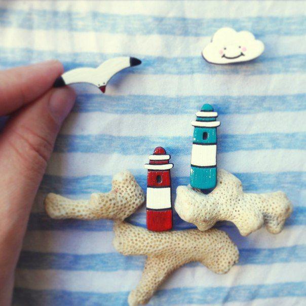 сюрприз девушке минск, брошка маяк минск, деревянные брошки минск