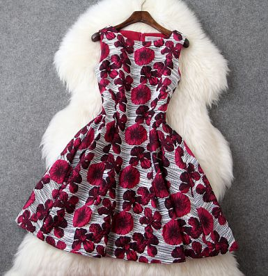 Round neck sleeveless dress three-dimensional flowers
