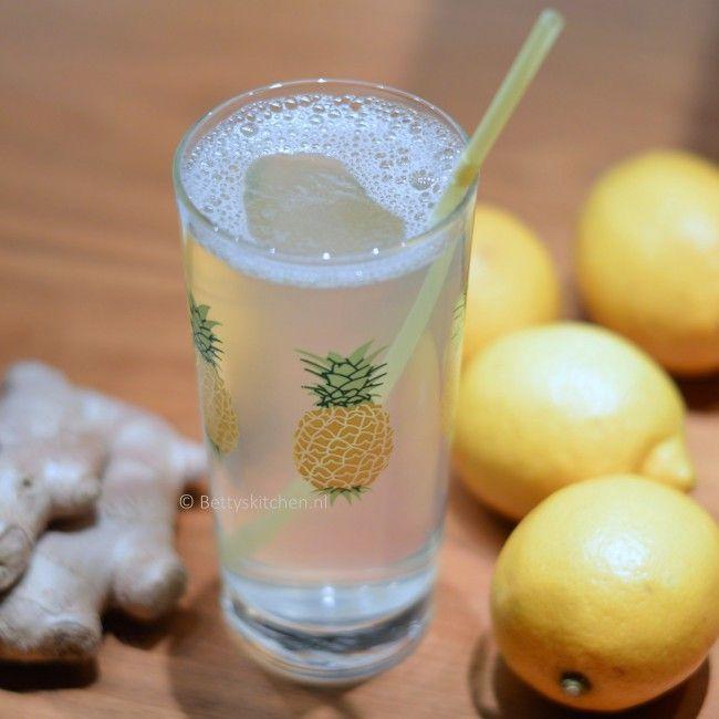 Detox tip! Drink warm water met citroen. Lees hier meer over - Betty's Kitchen