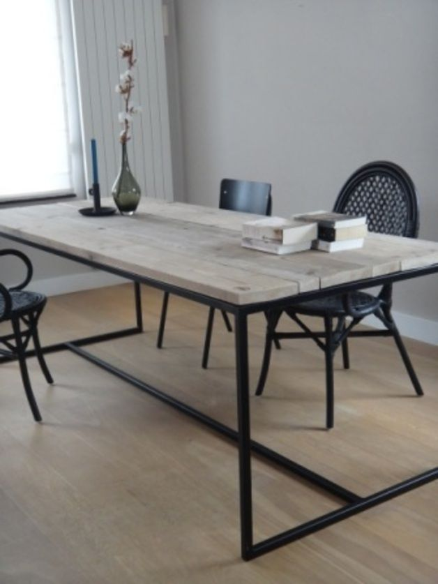 tisch aus bauholz und stahl. purewooddesign. dawanda.