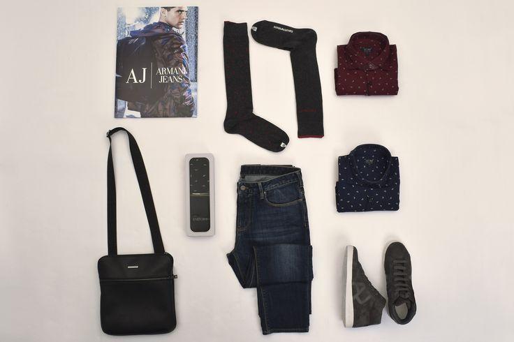 """Lo stile di @armani è riconoscibile sempre anche nella sua linea sportiva. La microfantasia delle camicie da uomo, il #jeans delavè e le #sneakers completano un look """"easy"""". Volete essere chic e comodi? Vi aspettiamo! #CityModaMe"""