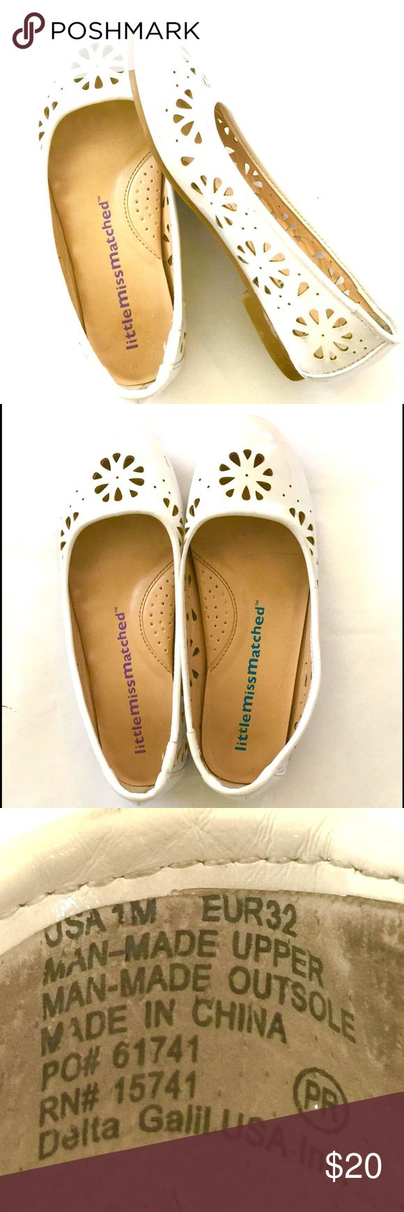 Little Miss Matched White Dress Shoes in size 1 These are 100% authentic Little Miss Matched dress shoes, purchased at the store.  They are beautiful, comfy, and clean up nicely.  Great for holidays, church, School, weddings. Little Miss Matched Shoes Dress Shoes