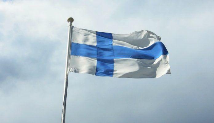 Finlandiya her vatandaşını maaşa bağlama fikrini denemeye başladı