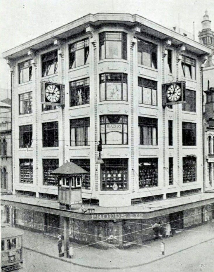 Proud's Ltd at the corner of Pitt and King Streets,Sydney in 1932.