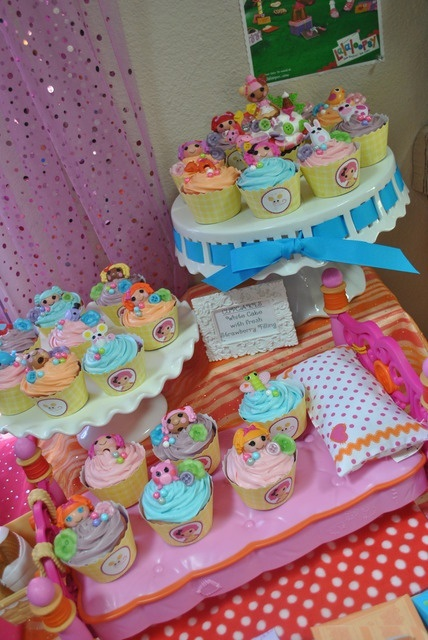 lalaloopsy!!love the cupcake liner idea:) kids-party-ideas