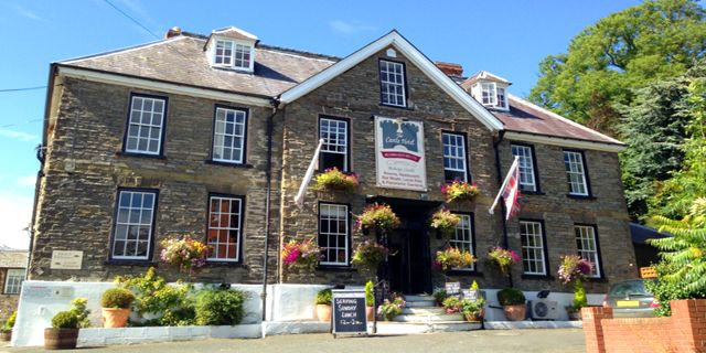 Enjoy a #relaxing and #comfortable stay, some #great #food and #modern #comforts at The Castle Hotel, Bishops Castle, Shropshire this #summer. Visit: http://bit.ly/1RSHCGt