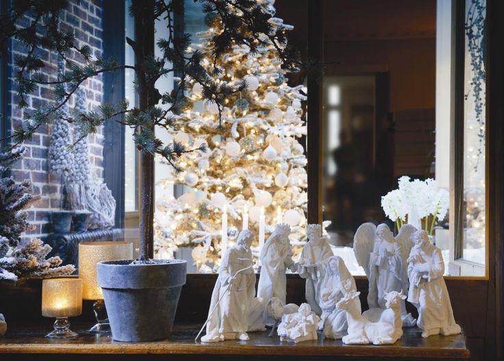 right lightning for christmas decoration! winter design