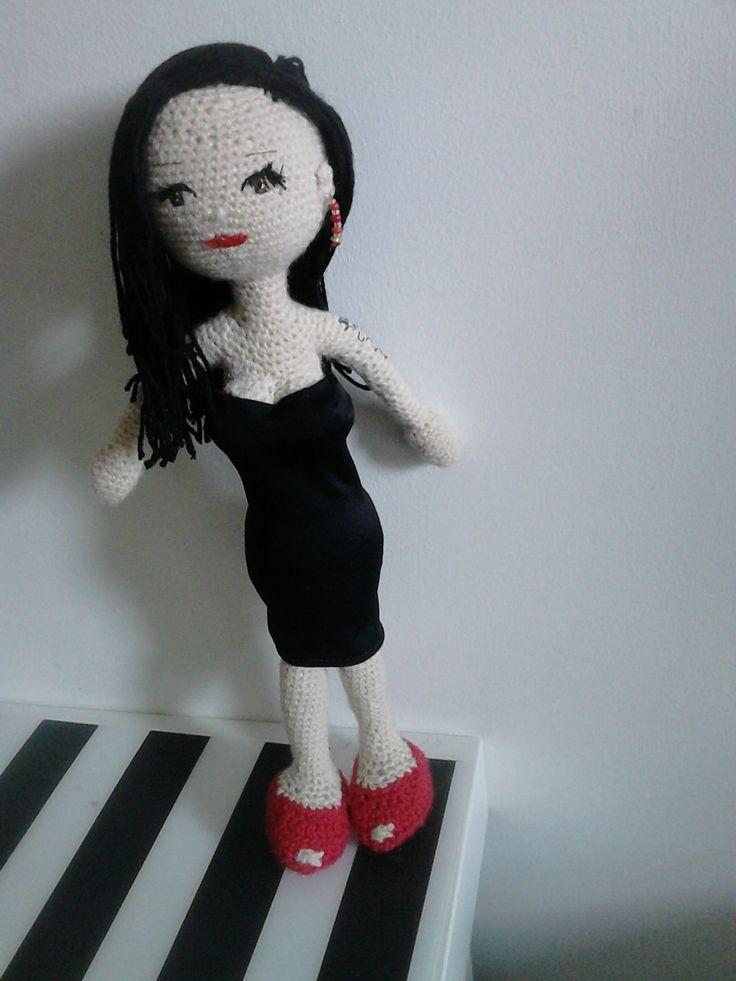 Alaska . Muñeca en ganchillo. 25 cm