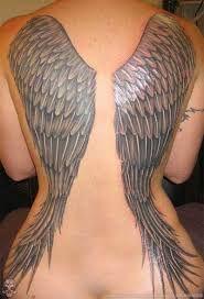 Resultado de imagem para tatoo feminina ombro cristã