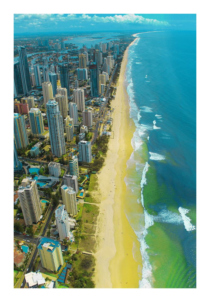 Surfers Paradise on n the Gold Coast, Australia /// #travel #wanderlust #beach
