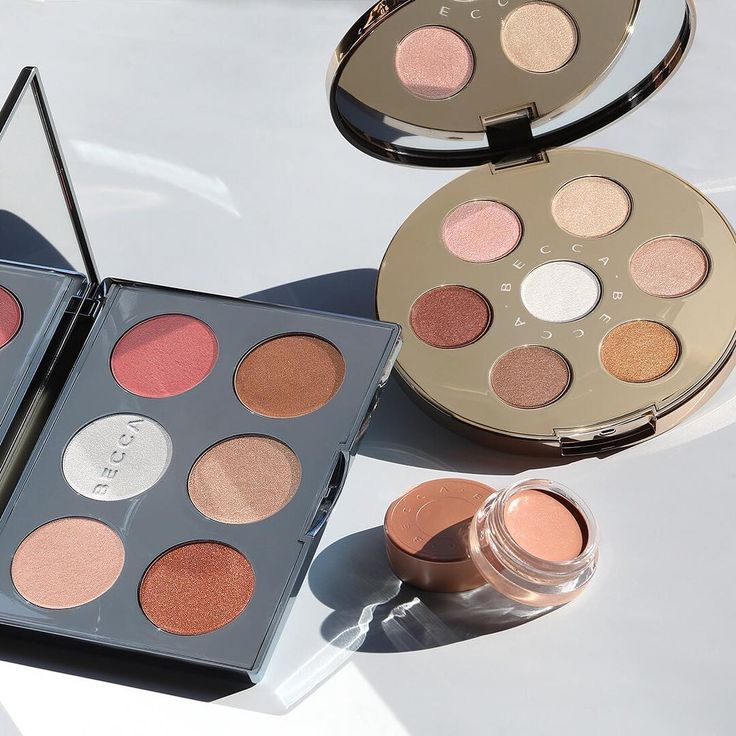 We have teamed up with @boxycharm to bring you a festive giveaway! ✨ 1 lucky winner will win our Après Ski Eye Lights Palette, Après Ski Face Palette & Under Eye Brightening Corrector!   ▫️Giveaway Rules:  ▫️Follow @beccacosmetics  ▫️Follow @boxycharm⠀  ▫️Like and comment with a  on this photo & tag 2 friends  Open to US and Canada only // Profile must be public // We will randomly select 1 winner after 24 hours of announcing the giveaway.
