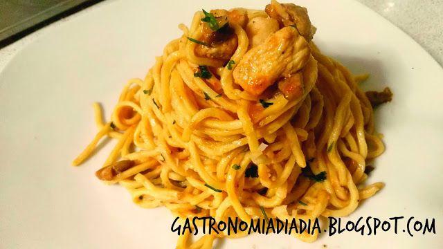 Gastronomía día a día: Spaghetti frescos caseros, con pollo y shitake