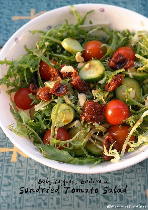 Baby Veggies, Endive and Sundried Tomato Salad | Super fruity, rich flavored and skinny #vegan