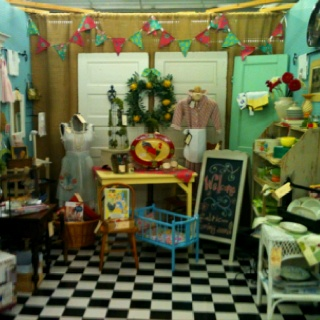 Flea Market Booth Floor Doors As Display Walls Great Color