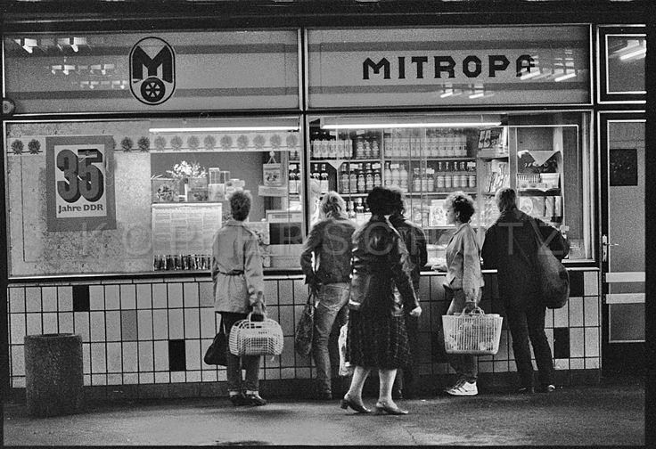 DDR shop front 1984