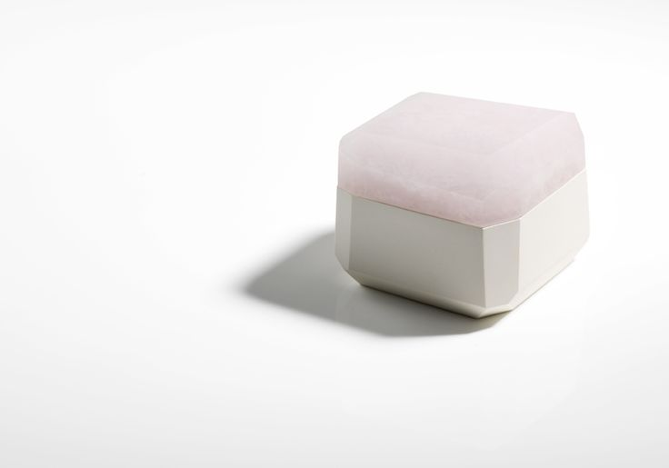 Andrea Walsh / Large Square Faceted Box / 2015 / Porcelain and Klin Cast Opaque Rose Glass / One-Off Piece / Courtesy Galerie Mouvements Modernes